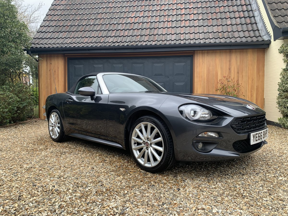 2016 Fiat 124 Spider Lusso Multiair Convertible-stunning fsh For Sale (picture 4 of 12)