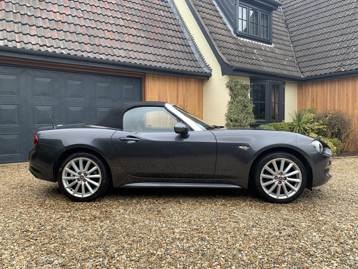 2016 Fiat 124 Spider Lusso Multiair Convertible-stunning fsh For Sale (picture 7 of 12)