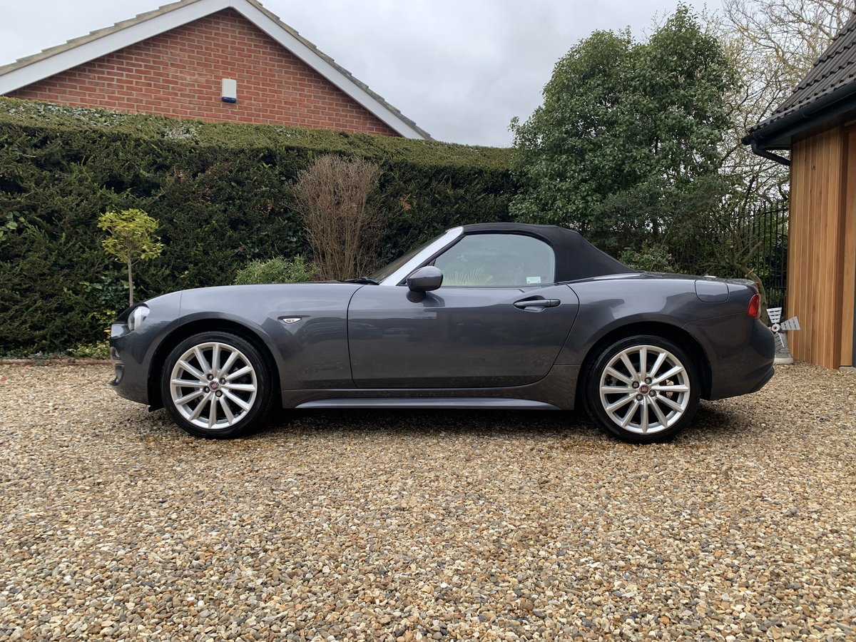 2016 Fiat 124 Spider Lusso Multiair Convertible-stunning fsh For Sale (picture 8 of 12)