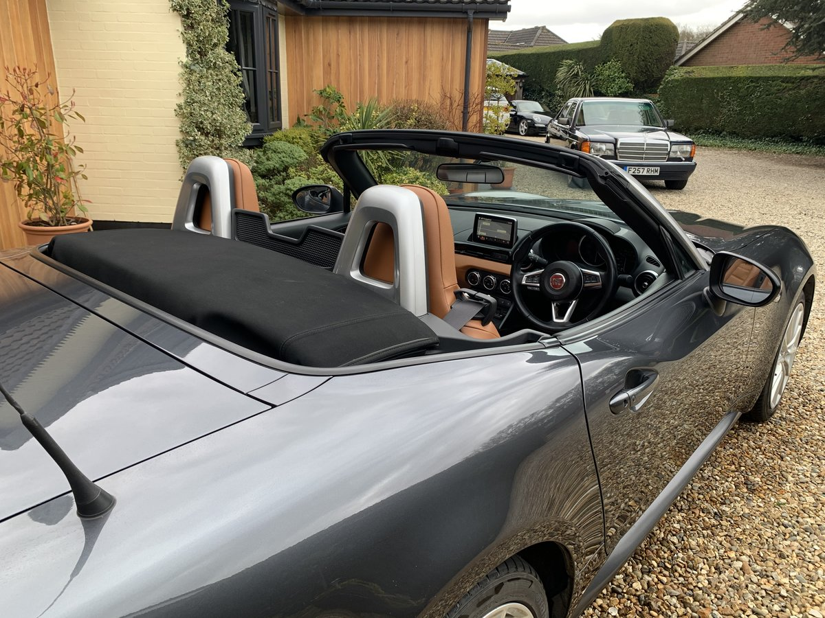 2016 Fiat 124 Spider Lusso Multiair Convertible-stunning fsh For Sale (picture 11 of 12)