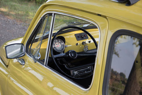 1974 Classic Fiat 500 with round speedo, fully restored!! For Sale (picture 5 of 6)
