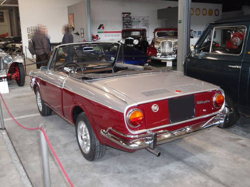 1971 Fiat 800 Vignale Spider For Sale (picture 2 of 6)