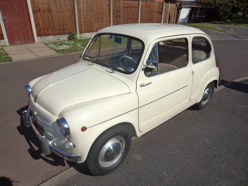 1962 Fiat 600 D 10200 km only totally original mint For Sale (picture 2 of 6)