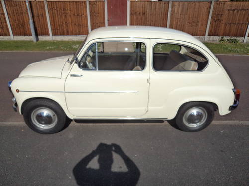 1962 Fiat 600 D 10200 km only totally original mint For Sale (picture 3 of 6)