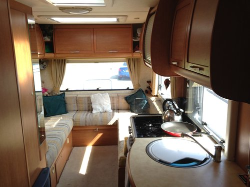 2006 Bessacarr E465 4 Berth Motorhome For Sale (picture 5 of 6)