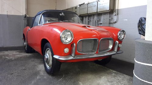FIAT 1200 TRANSFORMABLE SPIDER 1959 RED CAL. CAR. For Sale (picture 1 of 6)