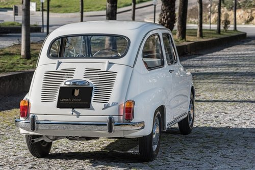 LHD 1970 Fiat 600D Fully Restored SOLD (picture 3 of 6)