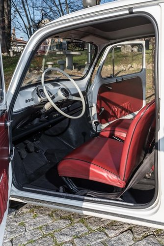 LHD 1970 Fiat 600D Fully Restored SOLD (picture 4 of 6)