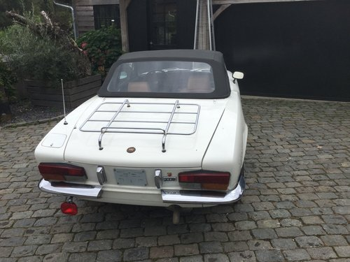 Charming Fiat 124 Spider from 1979 For Sale (picture 2 of 6)