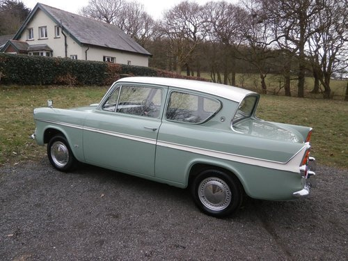 1964 FORD ANGLIA 123E SUPER GREEN/WHITE SIMPLY THE BEST!! SOLD (picture 2 of 6)