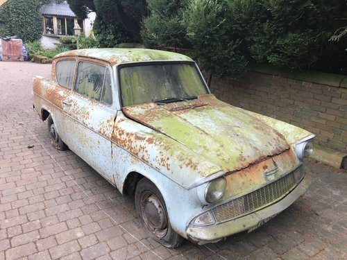 1960 FORD ANGLIA 105E DELUXE * BARN FIND 12,670 MILES!! * SOLD (picture 1 of 6)