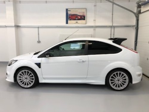 2009 Exceptional Ford Focus RS MK2 - only 11,000 miles SOLD (picture 1 of 6)