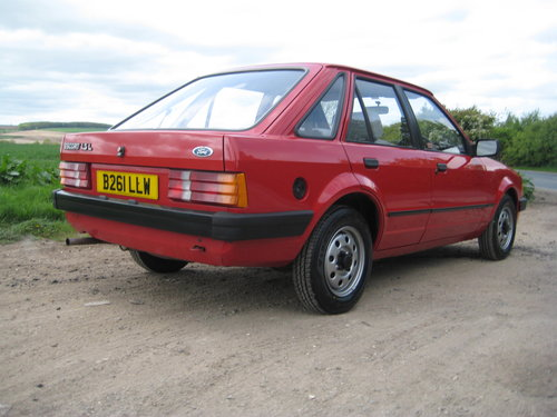 Ford Escort 1.3L 1984 ONLY 34,000 MILES For Sale (picture 3 of 6)