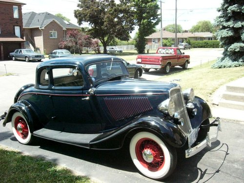 1933 Ford 5 window Coupe For Sale (picture 1 of 6)