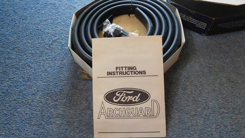 GENUINE FORD ACCESSORY CAPRI WHEEL ARCH PROTECTOR KIT For Sale (picture 3 of 4)