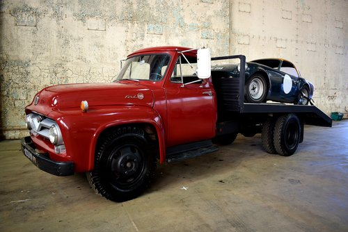One of a kind 1955 Ford F600 car transporter For Sale (picture 1 of 6)
