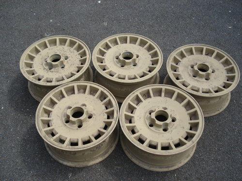 Set of alloy wheels For Sale (picture 1 of 3)