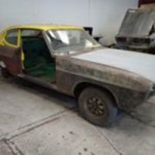1974 JUST  2  OWNERS  HAVING A  FULL  BARE METAL  REPAINT  SOLD (picture 1 of 6)