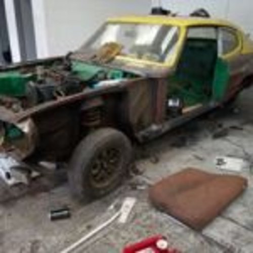 1974 JUST  2  OWNERS  HAVING A  FULL  BARE METAL  REPAINT  For Sale (picture 2 of 6)