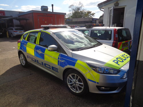 MONDEO POLICE CAR  FILM UNIT  (picture 6 of 6)