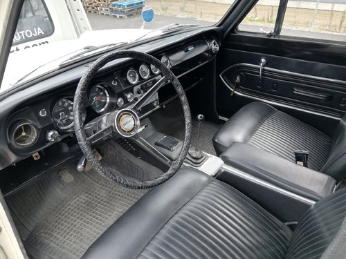Ford Cortina 1500GT, 1965 4-door. For Sale (picture 3 of 6)