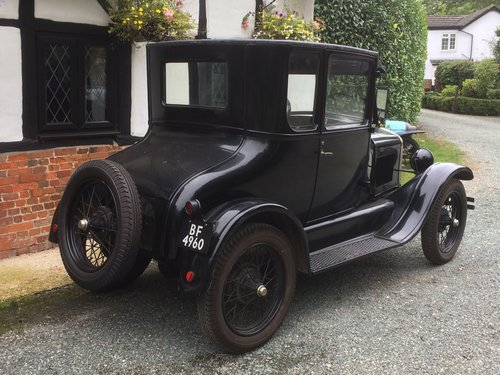 Amazing Barn Find 1927 Ford Model T Doctors Coupe  SOLD (picture 3 of 5)