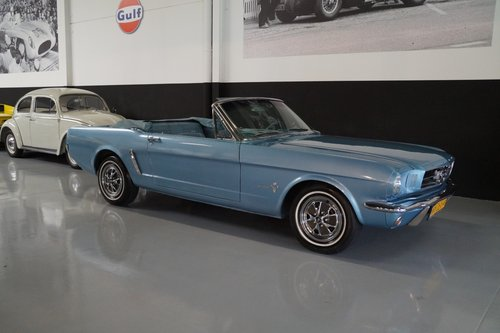 FORD MUSTANG V8 Convertible (1965) For Sale (picture 1 of 6)