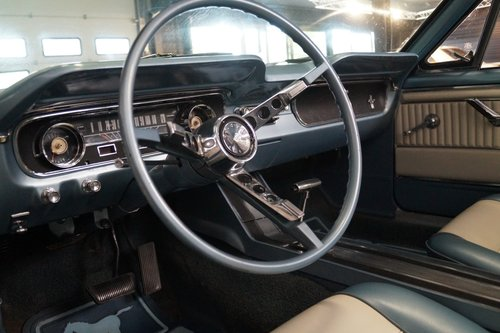 FORD MUSTANG V8 Convertible (1965) For Sale (picture 4 of 6)