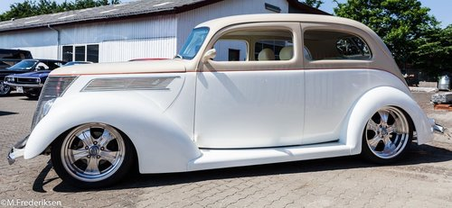 1937 Ford Deluxe Slant Back NEW PRICE For Sale (picture 2 of 5)
