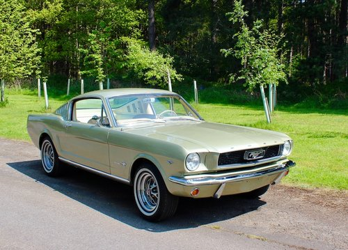 1966 Ford Mustang Fastback V8 4speed manual 4 barrel - AS NEW! For Sale (picture 1 of 6)