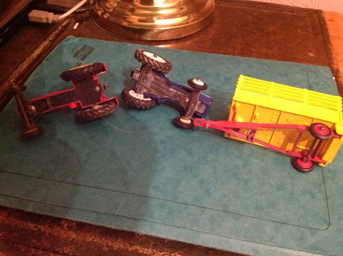 1960 Two superb sixties dinky tractors and trailer SOLD (picture 2 of 5)