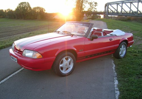 1992 Ford Mustang 5.0 Litre Fox Body Convertible For Sale (picture 1 of 6)
