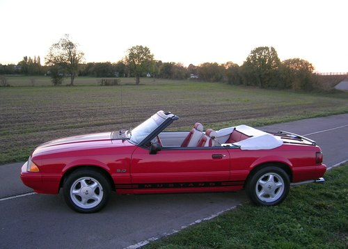 1992 Ford Mustang 5.0 Litre Fox Body Convertible For Sale (picture 2 of 6)