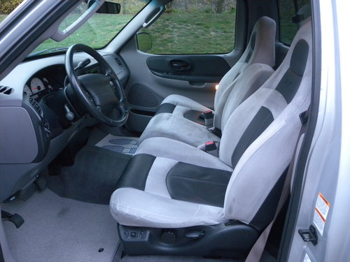 2002 Ford F150 Lightning 5.4 SVT Stepside Pickup SOLD (picture 5 of 6)