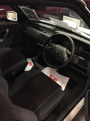 Escort XR3i as new condition, 5k miles SOLD (picture 4 of 5)