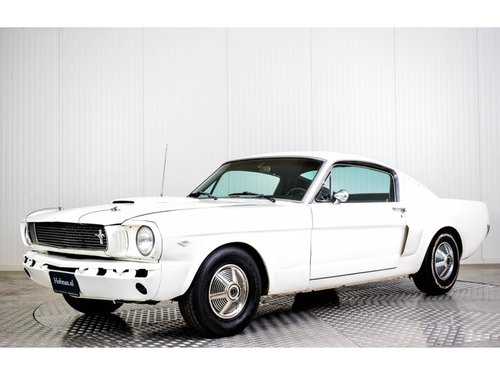 1966 Ford Mustang Fastback V8 289 For Sale (picture 1 of 6)