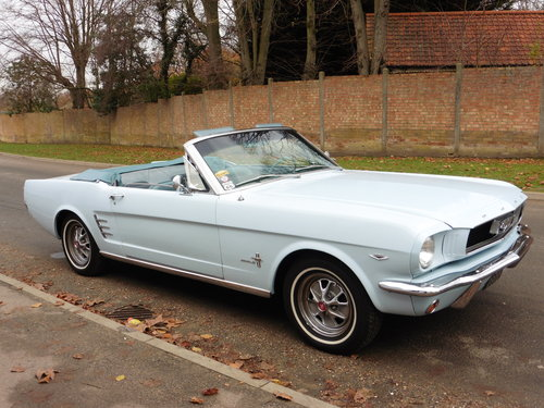 1966 Ford Mustang Conv. 289 V8 Power Hood GT Wheels Disc Brakes  For Sale (picture 2 of 6)