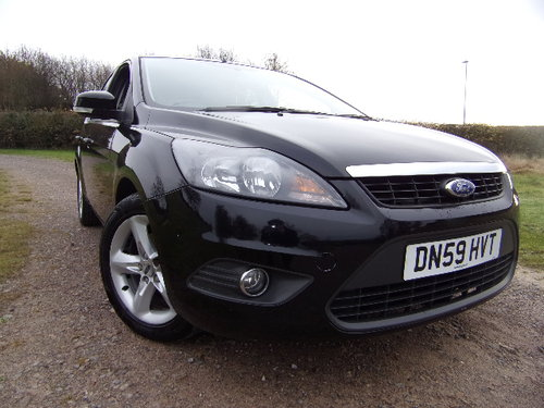 2009 Ford Focus Zetec 100 (Full Service History) For Sale (picture 1 of 6)