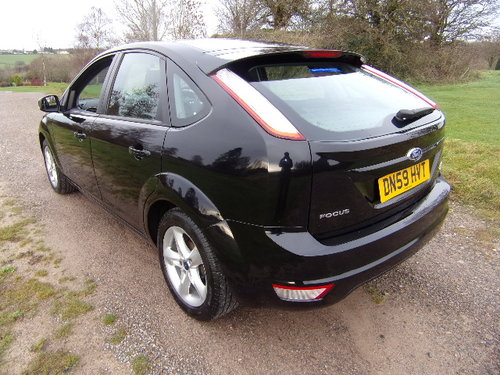 2009 Ford Focus Zetec 100 (Full Service History) For Sale (picture 2 of 6)