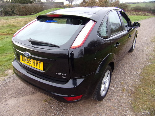 2009 Ford Focus Zetec 100 (Full Service History) For Sale (picture 4 of 6)