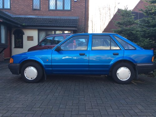 1990 Beautiful Mk4 Ford Escort Bonus 90, Cheshire For Sale (picture 5 of 6)