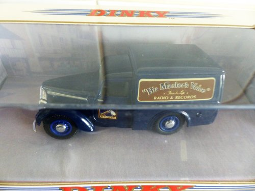 FORD E83W & COMMER 8CWT VAN-RADIO-HMV 1:43 SCALE For Sale (picture 3 of 6)