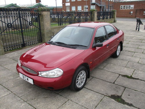 2000 FORD MONDEO 1.8 LX VERONA ONLY 5000 MILES FROM NEW  For Sale (picture 1 of 6)