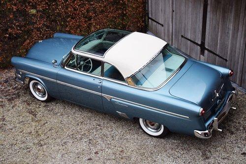 1954 Completely restored Ford Crestline Skyliner For Sale (picture 3 of 6)