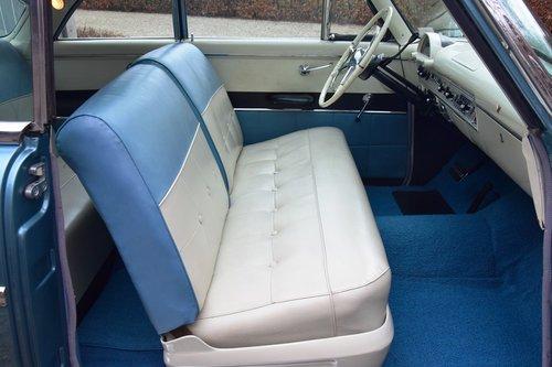 1954 Completely restored Ford Crestline Skyliner For Sale (picture 4 of 6)