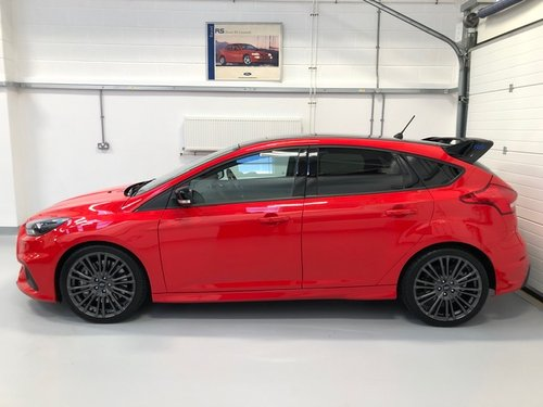 Ford Focus RS (1of 300) Red Edition 2018  SOLD (picture 2 of 6)