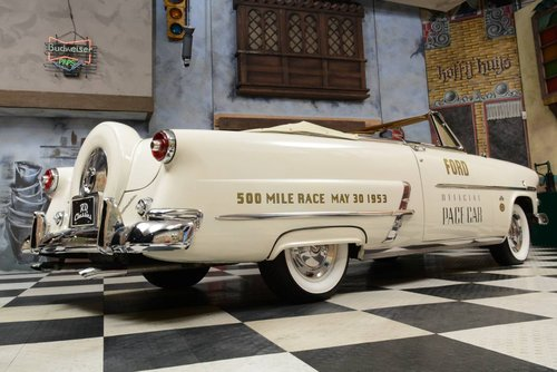 1953 Ford Sunliner Convertible Official Pace Car For Sale (picture 2 of 6)