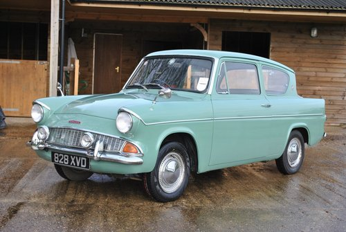 Ford Anglia 105e Deluxe 1960 Classic Car SOLD (picture 1 of 6)