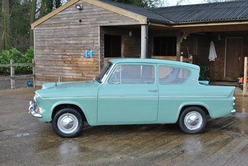 Ford Anglia 105e Deluxe 1960 Classic Car SOLD (picture 2 of 6)