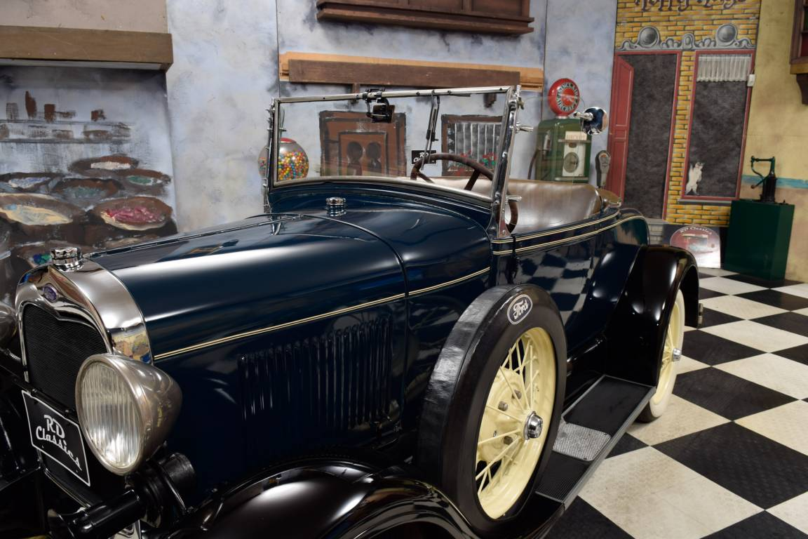 1928 Ford Model A Deluxe Roadster For Sale (picture 5 of 6)